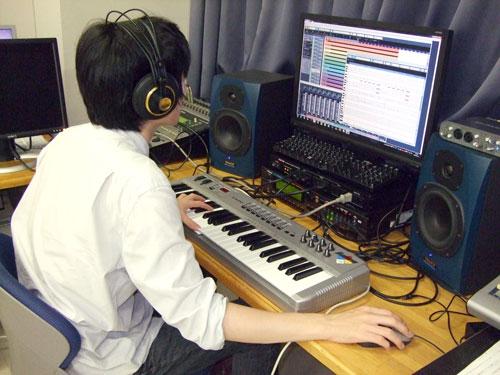 ミュージック・アナリシス&クリエイション クリックで拡大 このプロジェクトでは、音楽に関する分析