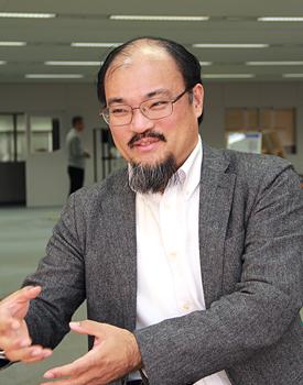 工学部 応用化学科 江頭 靖幸 教授